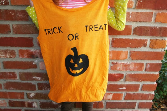 Repurpose an old t-shirt into an adorable DIY trick or treat bag!!