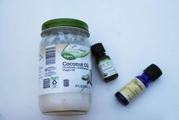 Make this easy coconut oil hair mask and leave it on your hair overnight for the softest hair ever!