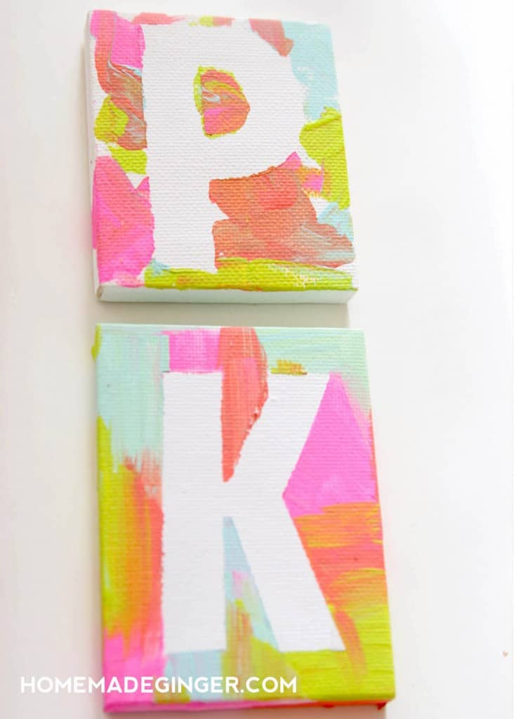 If you need some kids art ideas, make these mini canvas magnets! This is such a fun and easy art project for kids of all ages!
