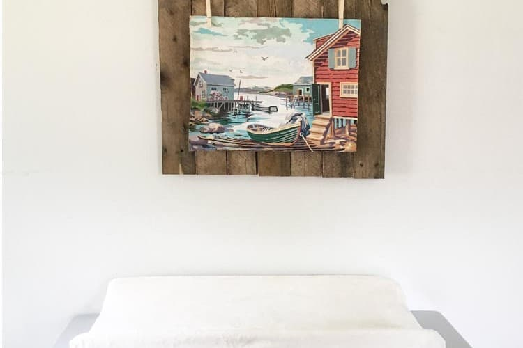 Pallet Project: Rustic Picture Display