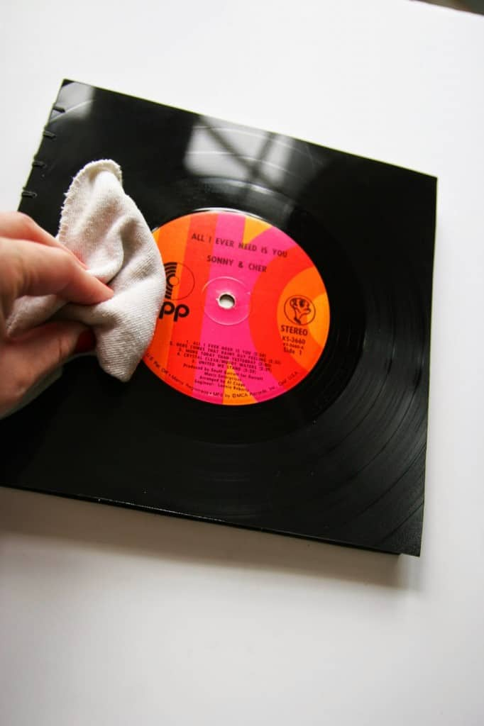 Learn how to make handmade books out of vinyl records. This would be the perfect guest book for any music lovers wedding!