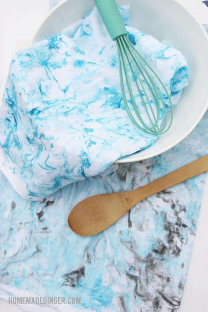 Make some beautiful marbled dish towels using shaving cream! This marbling technique is oh so easy!
