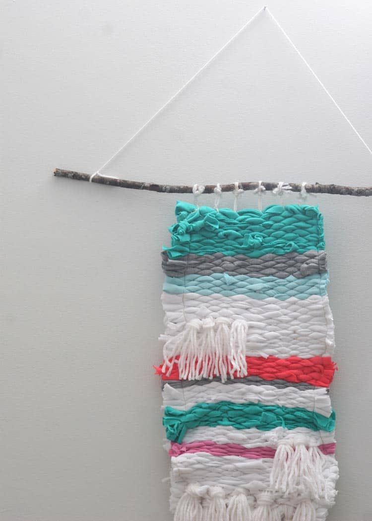How To Make A Woven Wall Hanging With T-Shirts