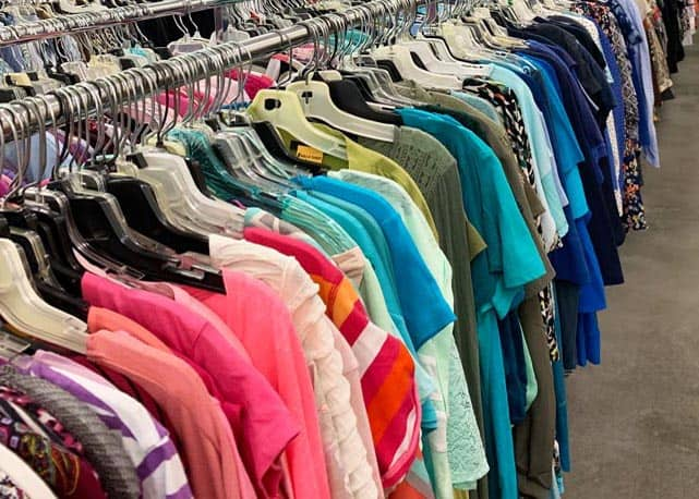10 secret tips every beginning thrifter must know. Follow these tips to be successful in finding amazing deals!
